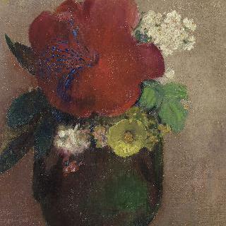 붉은 양귀비꽃이 담긴 꽃병