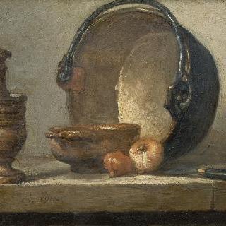 막자사발, 그릇, 양파 두개, 붉은 구리 냄비와 칼