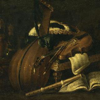 루트, 바이올린, 플루트, 음악공책과 삼각모