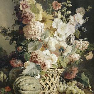 바구니 안의 꽃과 과일