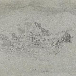 로마의 평야 : 수비아코, 바위가 있는 뾰쪽한 산봉우리 위의 마을 전체 전경