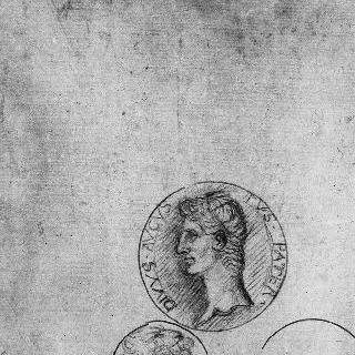 고대 메달의 두 개의 앞면과 세 번째 메달의 윤곽