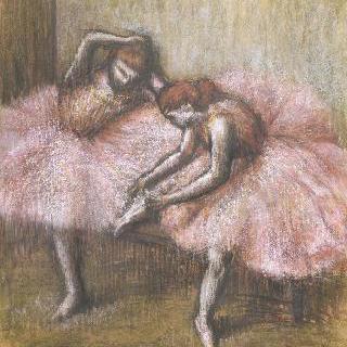 분홍 무용복을 입은 두 여자 무용수
