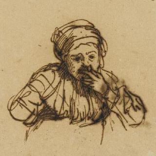 왼쪽 손을 입가에 대고 있는 앉아있는 젊은 여인의 반신상