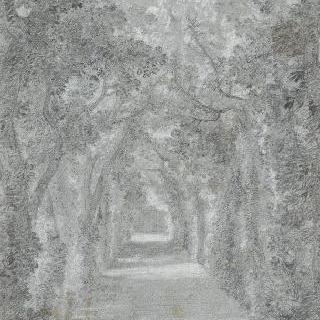 공원 우측의 오솔길과 안쪽의 문