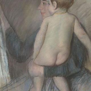 벌거벗은 아이를 안고 있는 젊은 여자 또는 창문에서