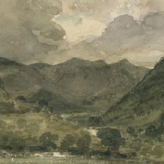 호수 지방의 높은 구릉과 산 풍경