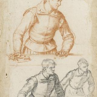 탁자에 손을 올려놓은 서 있는 남자들의 세 개의 반신상