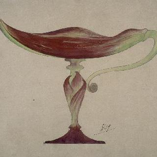 잎 모양의 수정으로 된 발이 있는 큰 잔 모델