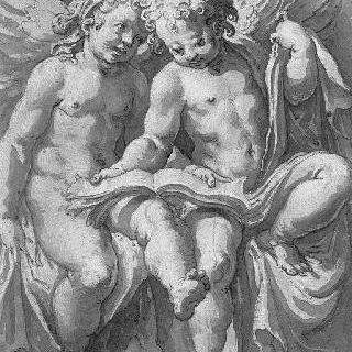 모직 직물 위에 책을 들고 있는 앉아 있는 두 천사