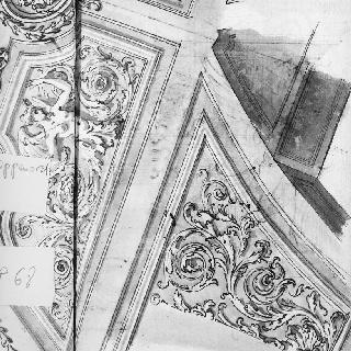 조각된 장식이 있는 천장화의 일부분 : 잎 모양 장식, 날개 달린 여인의 흉상
