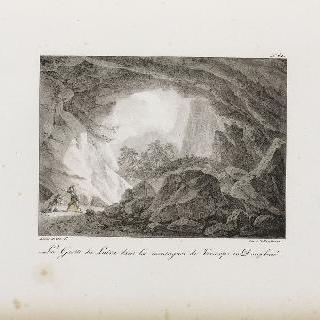 도피네 지방의 베르코르 [원문대로] 산 속의 루이라 동굴