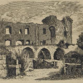 쿠시-르- 샤토 : 성 전경, 왕 탑, 폐허 예배당