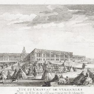 판 26 : 1730년경 수반화단 끝에 본 베르사유 성 전경