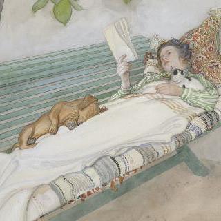 긴 의자 위에 누워있는 젊은 여인