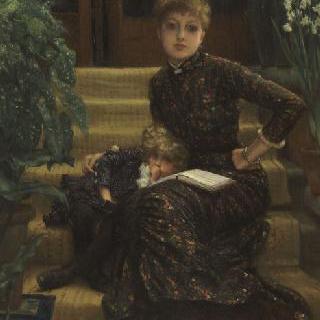농가의 낮은 계단에 앉은 어머니와 아이