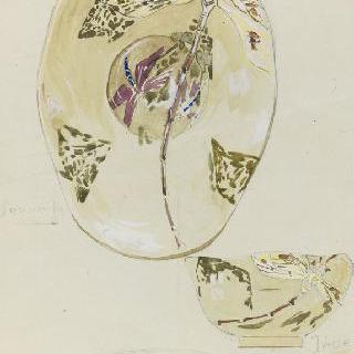 유리로 만든 찻잔과 받침의 스케치