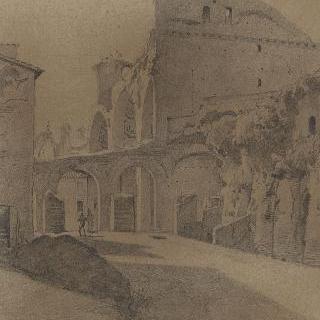 콘스탄티누스의 바실리카를 향해 있는 포룸에 오르기
