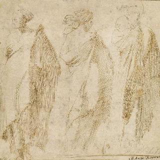 주름진 옷을 입고 서 있는 세 여인