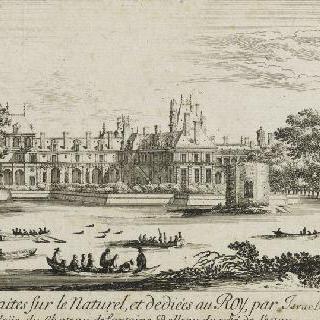 연못 쪽 퐁텐블로 성의 전경