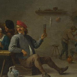 유리잔을 든 남자와 파이프에 불 붙이는 늙은 여인