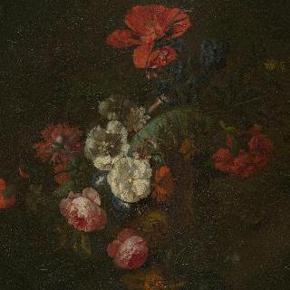 돌 화병에 담긴 꽃