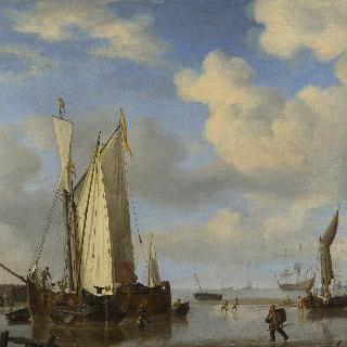 해안에 가까이 있는 네덜란드 배들과 해수욕하는 사람들