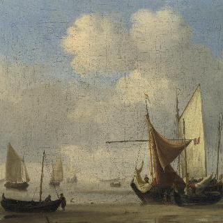 무풍 속에서 바닷물이 빠진 갯바닥에 얹혀 있는 작은 네덜란드 배들