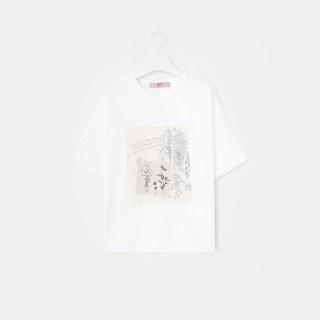 화이트 그래픽 패치 반소매 티셔츠