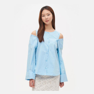 스카이 블루 오프숄더 라운드넥 셔츠