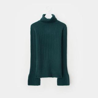 그린 벨 슬리브 터틀넥 스웨터