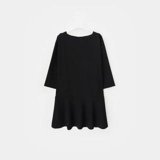 블랙 보트넥 플레어 드레스