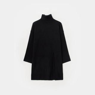 블랙 터틀넥 롱 스웨터