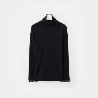 블랙 레이스 패치 터틀넥 티셔츠