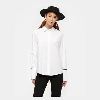 화이트 와이드 커프스 디테일 셔츠