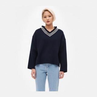 네이비 프릴 브이넥 스웨터