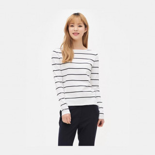 화이트 와이드 슬리브 스웨터