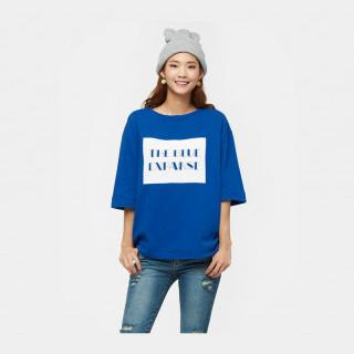 블루 펠트 레터링 디테일 티셔츠