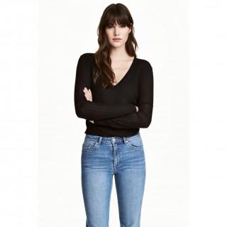 리브니트 스웨터