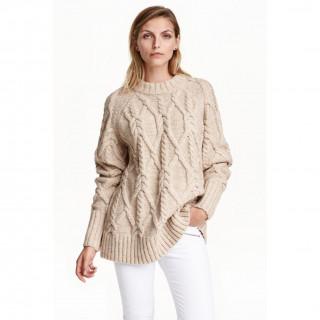 케이블 니트 스웨터