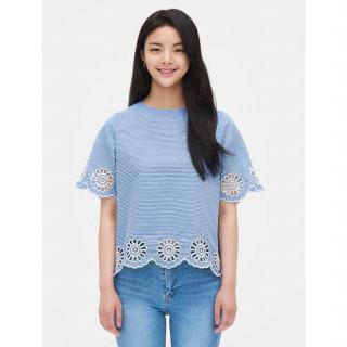 스카이블루 스트라이프 플라워 펀칭 반소매 셔츠