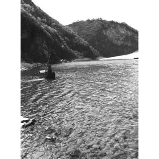 동강은 흐른다