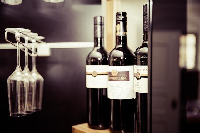 마트에서 살 수 있는 세련되고 훌륭한 2만원 미만의 와인